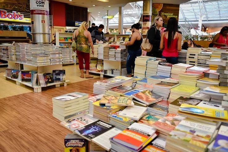 A tradicional feira Top Livros retorna ao Shopping Estação trazendo aos curitibanos mais de cinco mil títulos e 20 mil livros disponíveis pelo valor único de R$ 10. A atração literária é aberta ao público, com entrada gratuita, até o dia 30 de julho ao lado da praça de alimentação (piso L1) do...