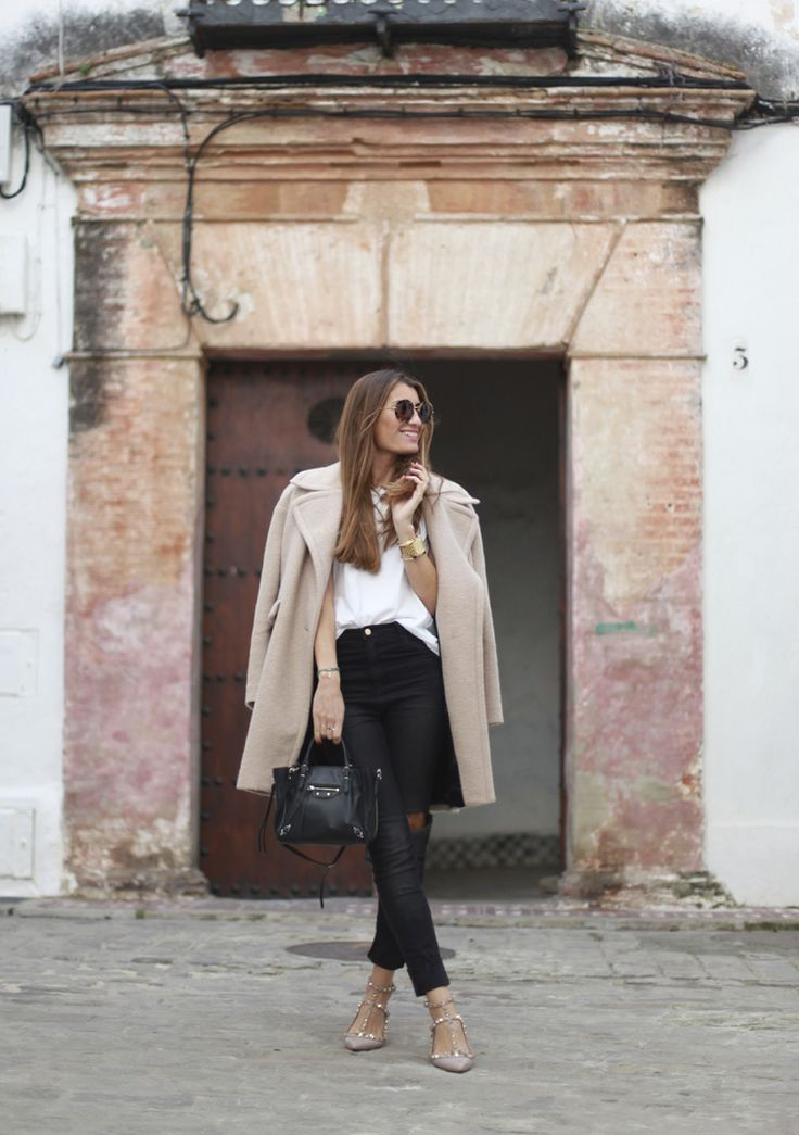 high waisted jeans, Valentino shoes and an oversized coat in a beautiful shade