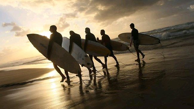 Google Image Result for http://resources0.news.com.au/images/2010/12/15/1225971/454220-aus-bus-pix-billabong-surfwear-retailer-surfers.jpg