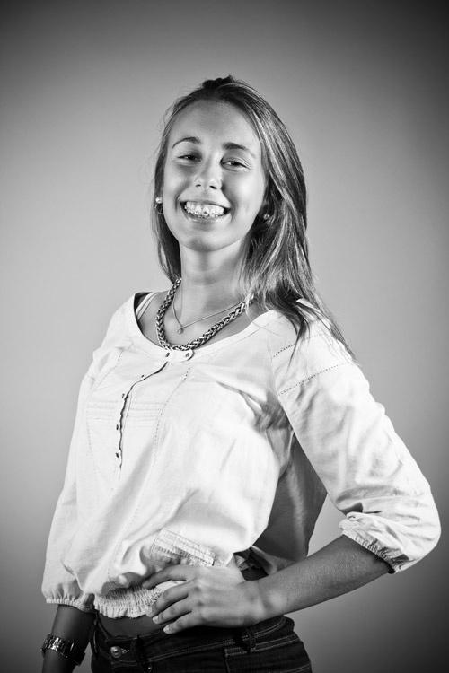 """""""o meu aparelho dos dentes é o meu orgulho""""    Fotografada por Bruno Joia Cardoso"""