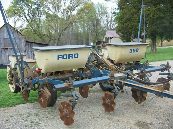 Ford 352 4 Row Planter Farm And Ranch Equipment Ford Tractors