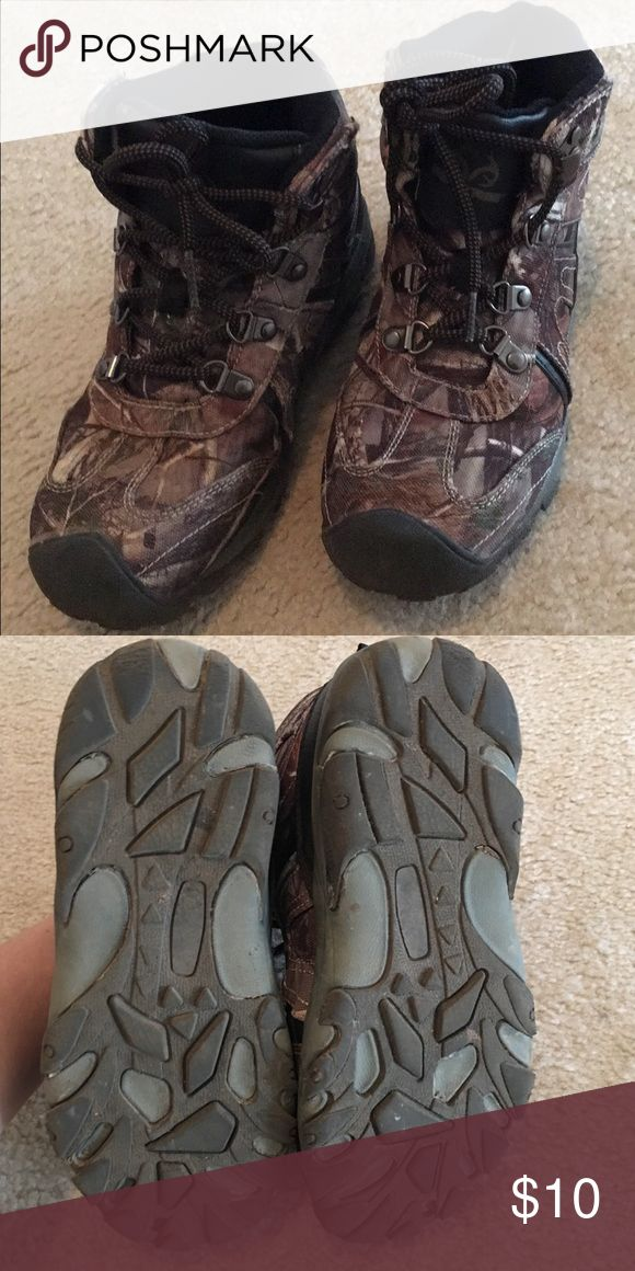 Boys Hiking Boots Good condition Boys Hiking Boots Shoes Boots