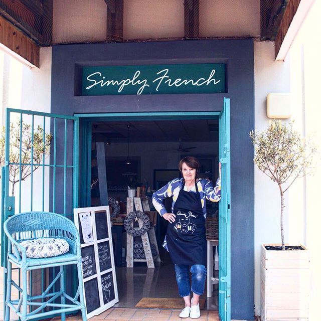 Annie Sloan Stockist Simply French in Bryanston, Johannesburg, South Africa!  The wonderful Nan has such an eye for colour and styling, as these photos will attest. I especially love her use of Lem Lem with Provence on those dining chairs, what a beautiful pairing. To celebrate a new studio space opening Nan recently held a workshop for local media and bloggers and the photos from that event look fantastic!  Thank you Nan. What a lovely, lovely shop!