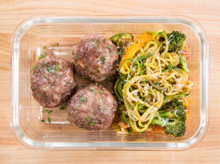 Meatballs with veggie marinara & zoodles