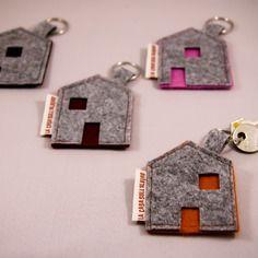 portachiavi in feltro disponibile in vari colori