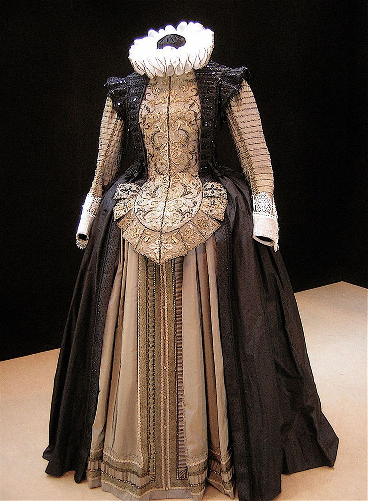 REPRODUCCION TRAJE ESPAÑOL Ollivier Henry costume early 17th Century Spanish style