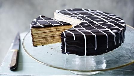 Paul Hollywood | Schichttorte This German 20-layer cake is cooked under the grill