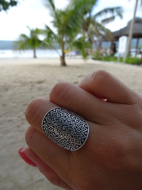 ✤ 925 STERLING SILVER AZTEC BOHEMIAN RING ✤  Mandala Ring in aztec patterns by Don Biu.  For the playful and wanderlust bohemian girl.  This Boho