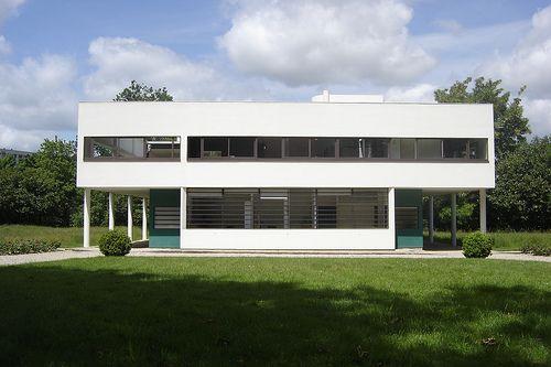 Villa Savoye by Le Cobusier
