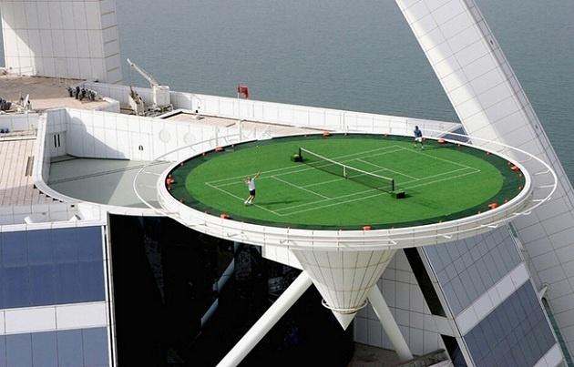 Tennis in Dubai.
