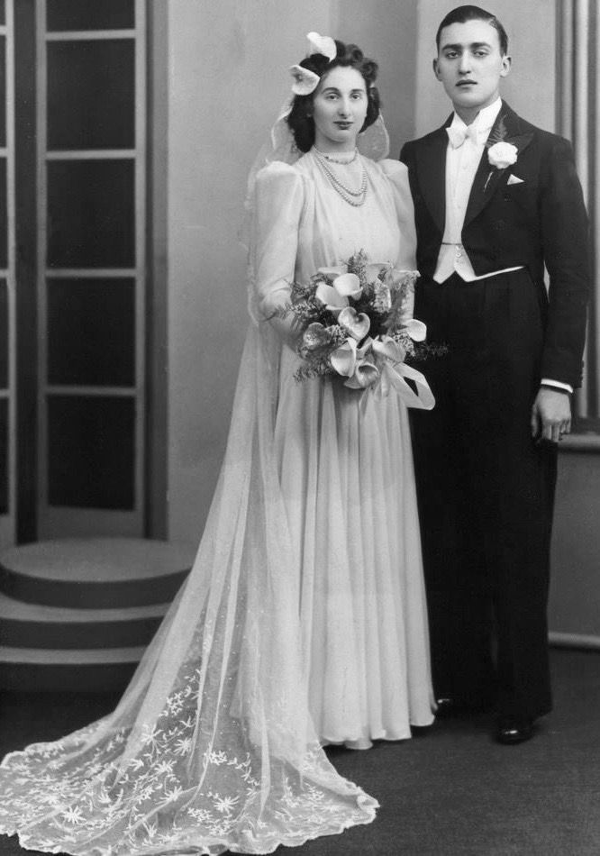 Pin By 1930s 1940s Women S Fashion On All Things Bridal Bridal Gowns Vintage Wedding Gowns Vintage Vintage Style Wedding