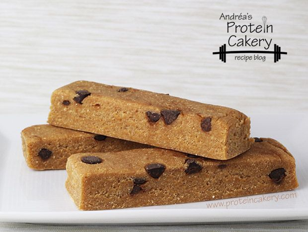 Peanut Butter Chocolate Chip Protein Bars -	Andréa's Protein Cakery high protein recipes