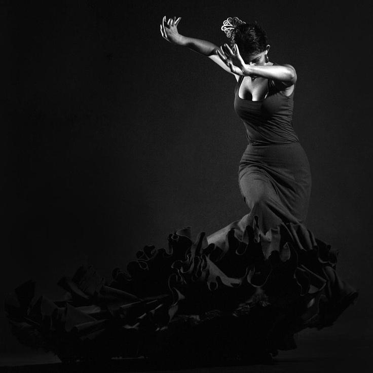 Flamenco dress for the sorceress (-; ~