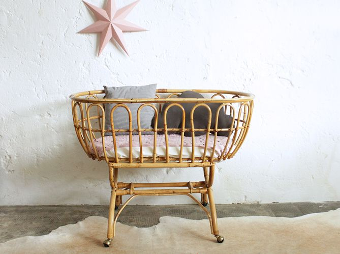 Die besten 25+ bassinet Ideen Ideen auf Pinterest | Baby-Banner ...