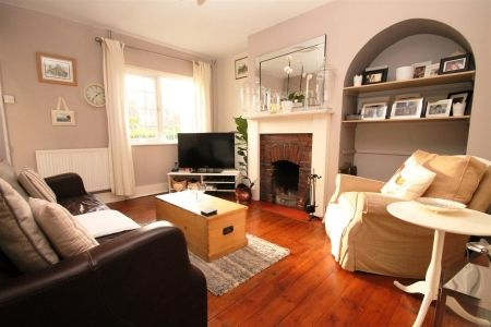 Only £235,000! This charming character cottage has been recently updated and improved, ready for moving in to. Call 01622 746273 to arrange a viewing of this homely and warm property.