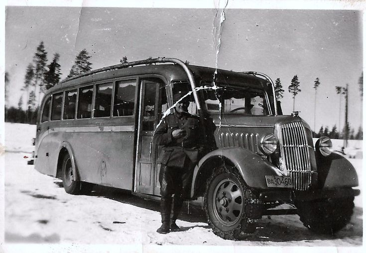 1935 REO bus in the winter war