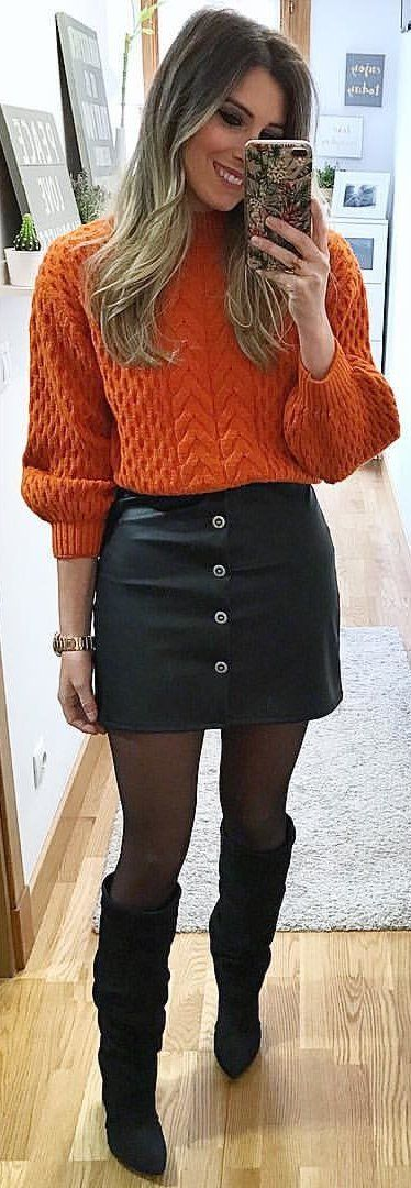 #winter #outfits  orange crew-neck long-sleeved knitted top. Pic by @__esti__.