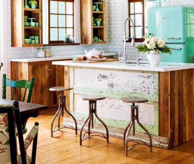 Мятный цвет в интерьере (58 фото): тонкости оформления и подбор цветов-партнеров http://happymodern.ru/myatnyy-cvet-v-interyere-foto-tonkosti-oformleniya-i-podbor-cvetov-partnerov/ Ретро-холодильник мятного цвета
