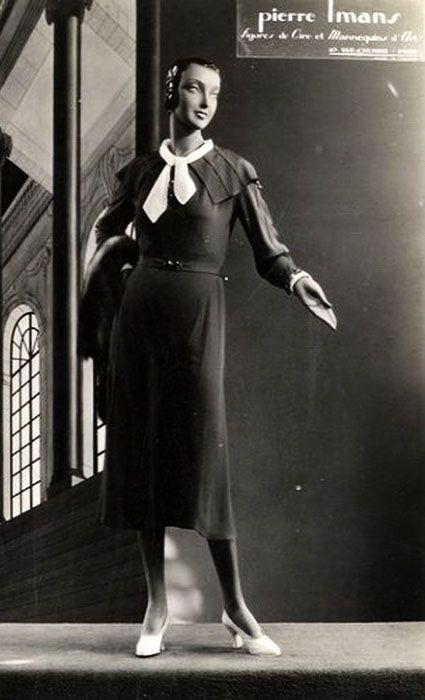 17 best images about mode 1920 1940 on pinterest roger vivier satin and elsa schiaparelli - Femmes annees 20 ...