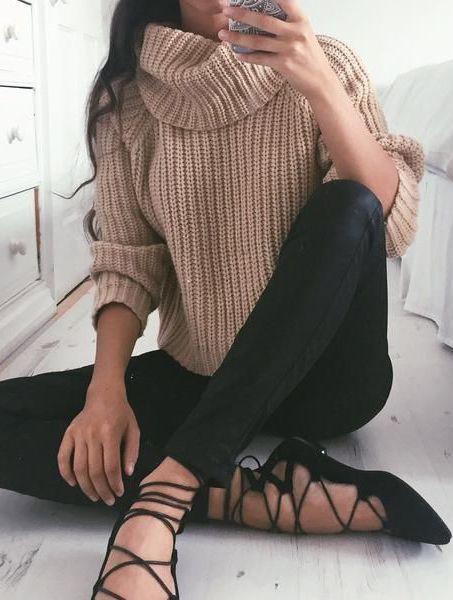 Camel sweter Black leggins