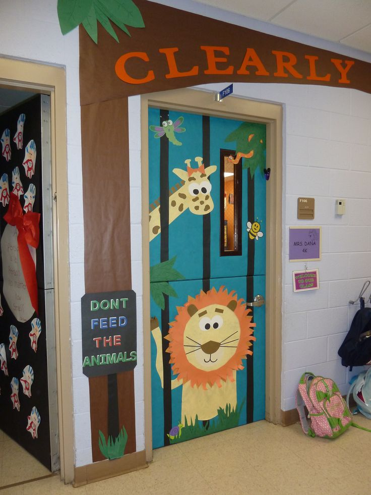 Classroom Decor Animals ~ Best ideas about jungle door on pinterest