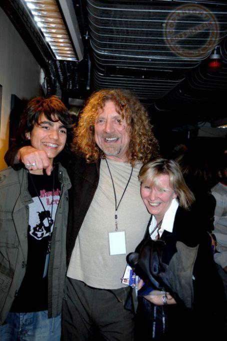 Robert Plant - Robert and Jesse Plant - 454 x 683