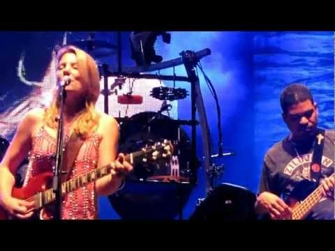 Awesome performance from Susan Tedeschi LIVE with the Allman Brothers Band.