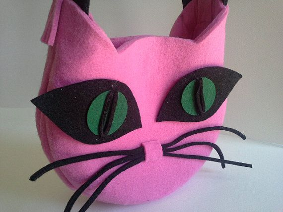Cat bag is made ​​of pink, black and green felt. There's a cotton lining with zip with a pocket inside. Bag is zipped with a metal magnet.   It is small so you can take it... #handbag #malikdesign #purses
