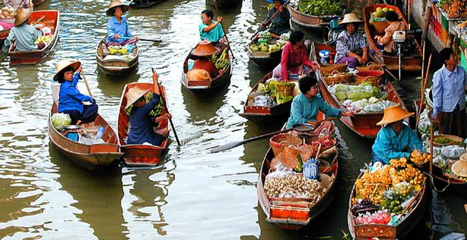 The Mekong Delta became famous world wide during what locals call the anti-American War. The Delta is also famous for its floating markets which are typical of the Phung Hiep and the Cai Be. On arriving in the Delta, you can start the motorized boat to visit the Cai Be floating market, experience how people exchanging goods, fruit and many other commodities on their vessels.