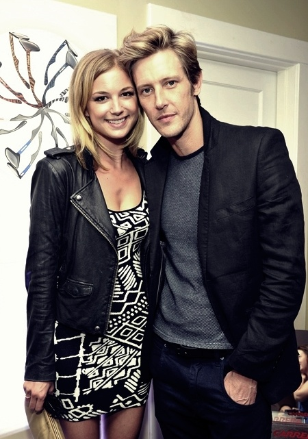 Emily VanCamp & Gabriel Mann. Both super gorgeous, love them.