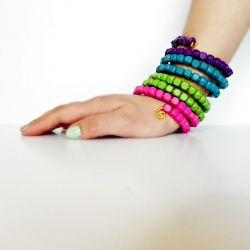 Make these faux stacked bangles in 15 minutes for around $2!