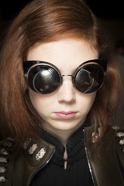 Shimmering Cat Eyes. Inspire from Fendi Spring Summer 2016. #inspire #fashion #fashionshow #accessories #moda #fendi #inspiration #fashion #designers #ss2016