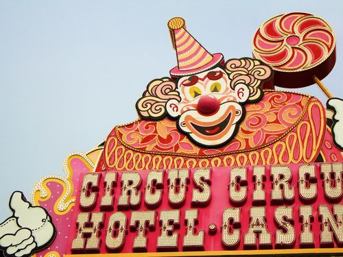 Circus circus manor motor lodge reviews las vegas for Manor motor lodge las vegas