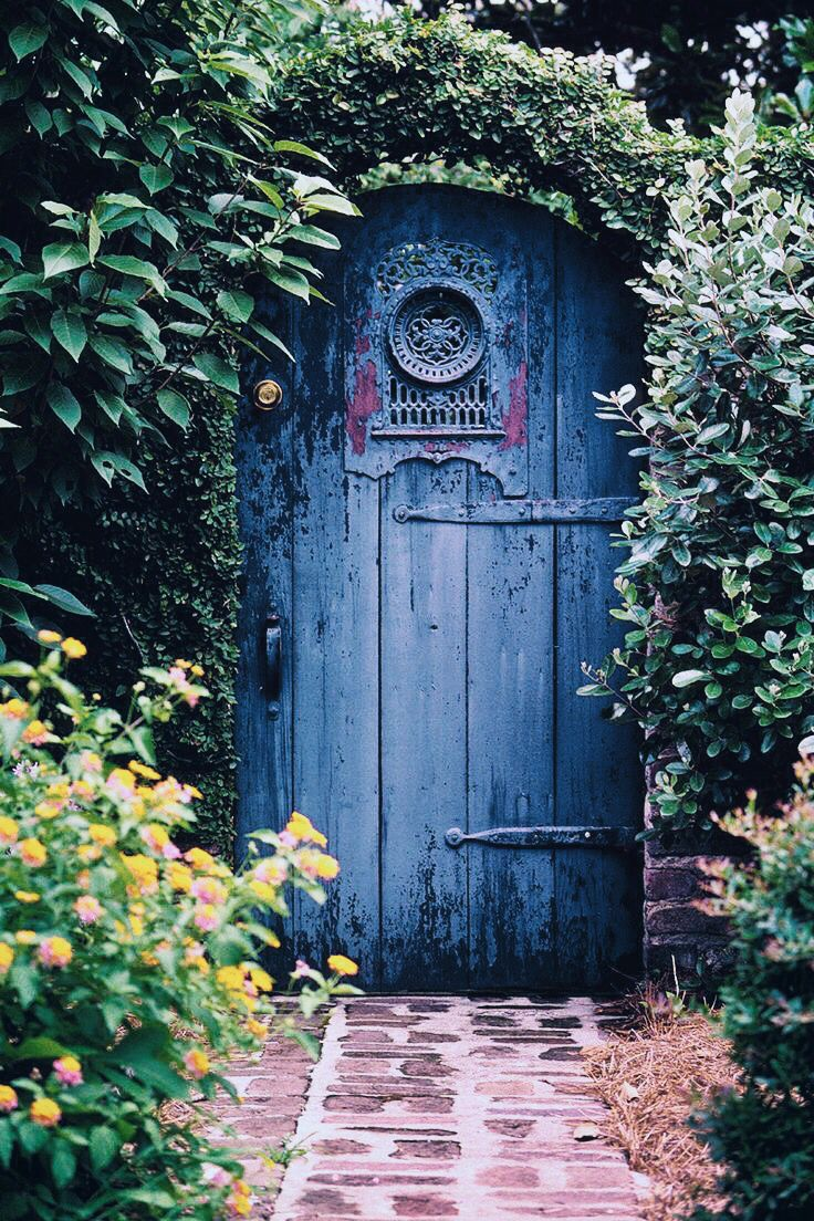 845 best garden doors and gates images on pinterest for How to make a garden gate door