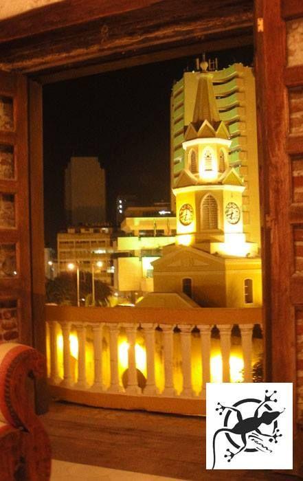 Con una vista increíble de la torre del reloj, las noches en Cartagena no serán lo mismo si te hospedas con Ram Service Group...