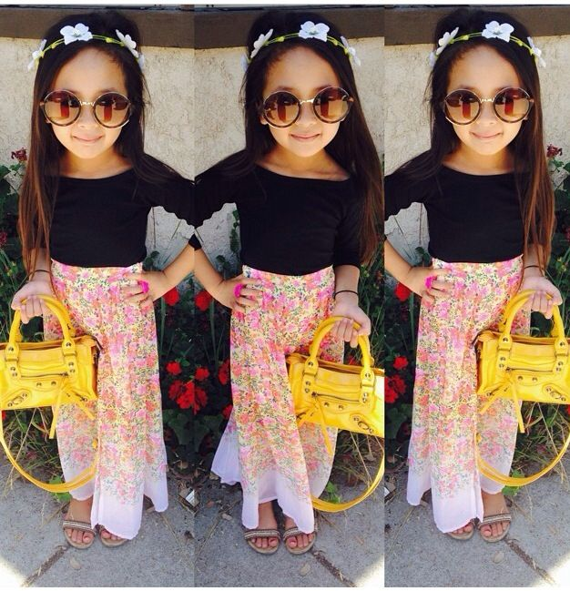 do you relize that this little cute girl look like tory v.                   <3<3<3<3<3<3<3