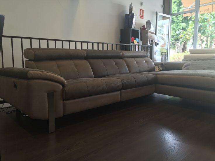 Este es el mejor momento para renovar tu viejo sofá con la promoción especial que tenemos esta #Navidad. Visita tu tienda #SleepZone más cercana y conoce los nuevos catálogos de #SorianoMartínez.