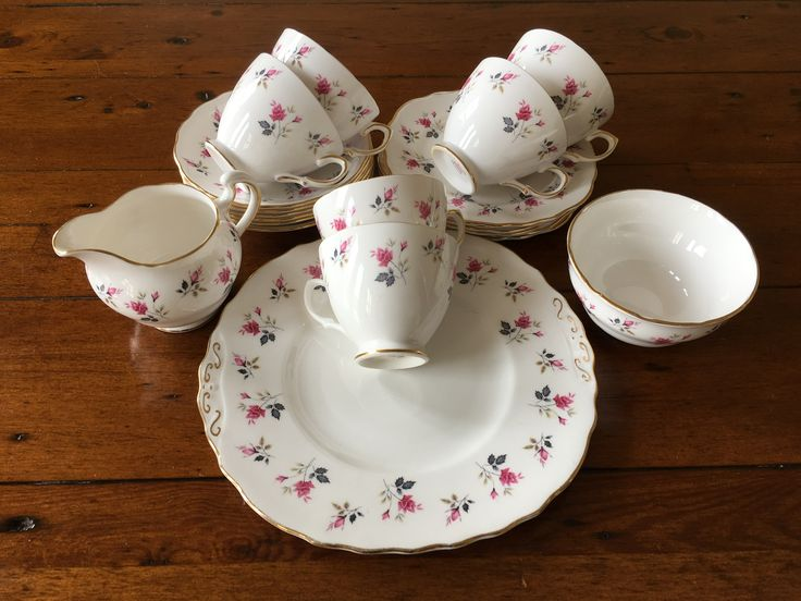 Royal Osborne Pink Roses 21 piece tea set