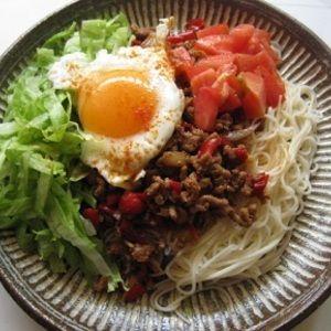 甘辛そぼろそうめん by すみねえさん   レシピブログ - 料理ブログのレシピ満載! 全体をかき混ぜて食べるとおいしいです。