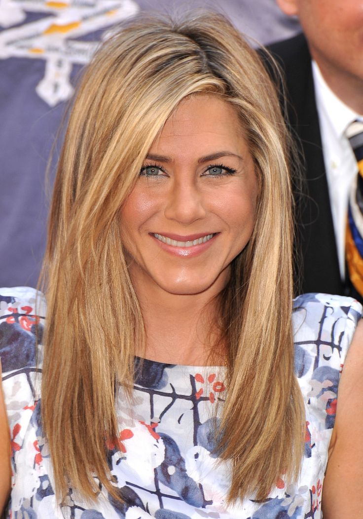 """For a simple, works-on-everyone style, try the look favored by Jennifer Aniston. """"The shortest layer should be 2 to 4 inches from the end of your hair,"""" says Lacy Redway, Head & Shoulders celebrity stylist."""