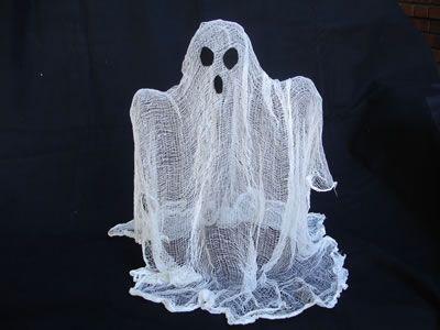 Ghost CenterpieceHalloween Decorations, Ghosts Centerpieces, Cheesecloth Ghosts, Halloween Crafts, Halloween Ghosts, Holiday Crafts, Floating Ghosts, Homemade Halloween, Halloween Diy