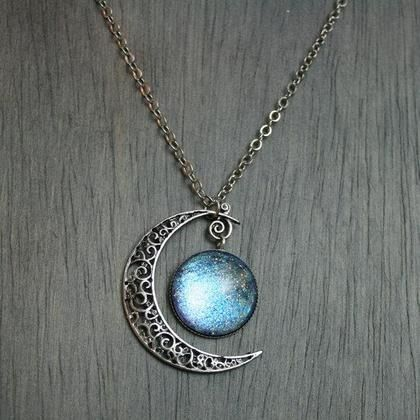 Gypsy Moon's Enchanted Chronicles-very pretty. Reminds me of the necklace on the Disney channel movie Twitches
