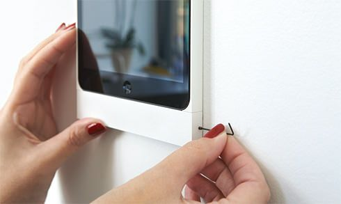 Eve design wall mount for iPad & iPod touch in aluminium