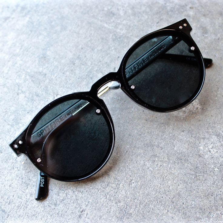 spitfire sunglasses post punk in black - shophearts - 1