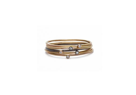 Apriati- Ring single mini diamonds