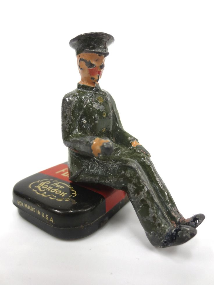 """Vintage Lead Toy Army Lorry Truck Driver with Uniform, Red lips, 1 1/2"""" England"""