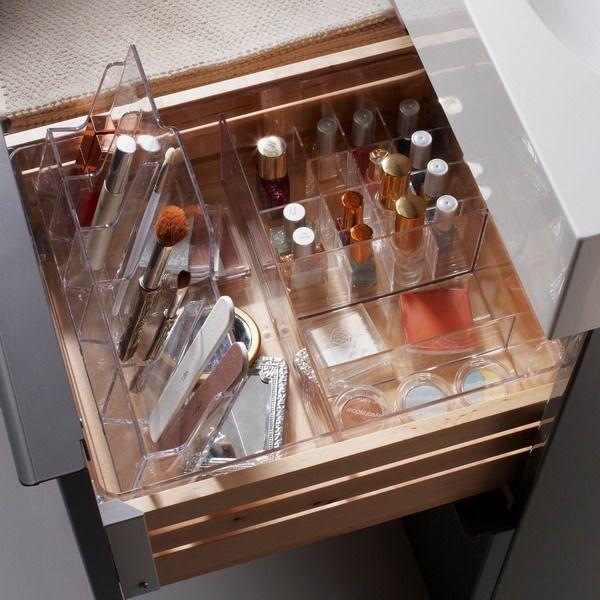 cosmetics-organizing-in-bathroom7-1