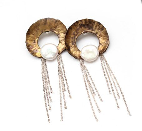 Earrings, Brass, sterling silver or copper, amethyst or pearls or onyx or lapis lazuli, sterling silver post back. de TheArtisansGalleryEC en Etsy