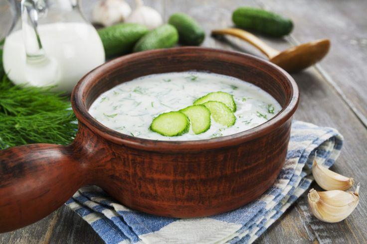 Egy ősi ferences rendi receptúra alapján készül ez az ínycsiklandó leves. A szerzetesek asztalánál, a ferences rendi kolostorban rendszerint jelen van ez a hűsítő finomság. Egy ősi recept feltámad, a ferences rendi kolostorban őrzött recept közkedvelt, kóstoljuk meg mi is, ezt a hagyományos finomságot! Hozzávalók: 6 dl joghurt vagy kefir,[...]