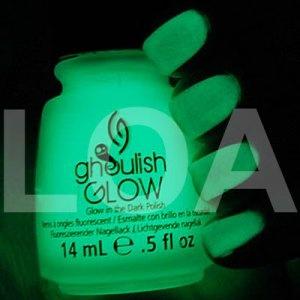 Smalto CHINA GLAZE Ghoulish Glow 14ml, è uno smalto fosforescente che illumina al buio.  A soli 8.90 €
